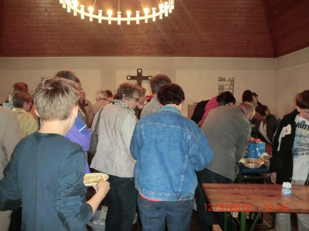 Kirchenkaffee in Kirchenthumbach - wir mussten wegen Regen in die Kirche umziehen